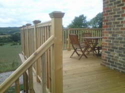 decking-outdoors-gardens 1
