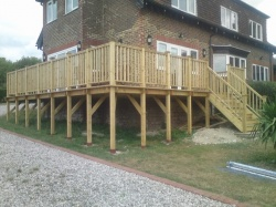 decking-outdoors-gardens 3